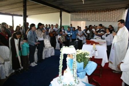 Missa e coroação de Nossa Senhora do Rocio no Lar dos Velhinhos Dona Aracy Barbosa